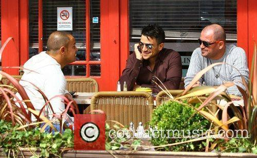 Peter Andre goes for lunch at Topolino with...