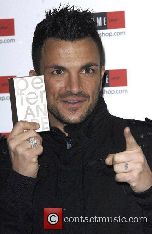 Peter Andre meets fans and signs boxes of...