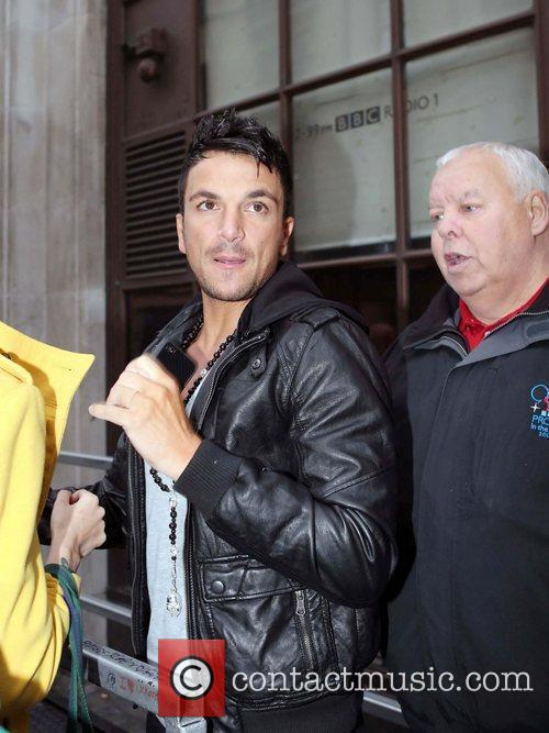 Peter Andre and Leaves 10