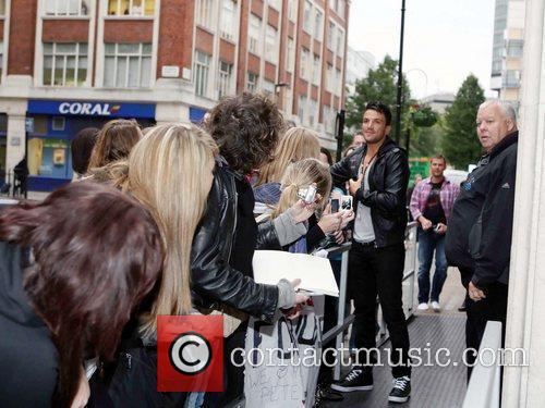 Peter Andre and Leaves 9