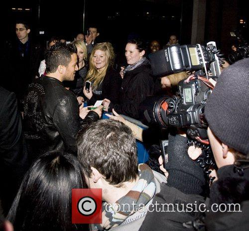 Peter Andre signs autographs at 'Skechers Store Launch...