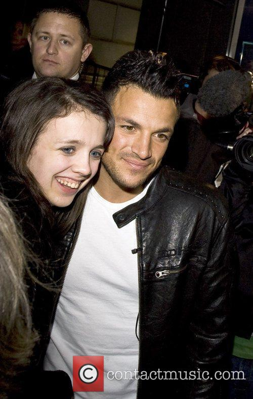 Peter Andre with a fan at 'Skechers Store...