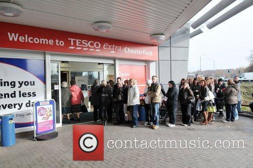 People queuing at Tesco Chesterfield where Peter Andre...