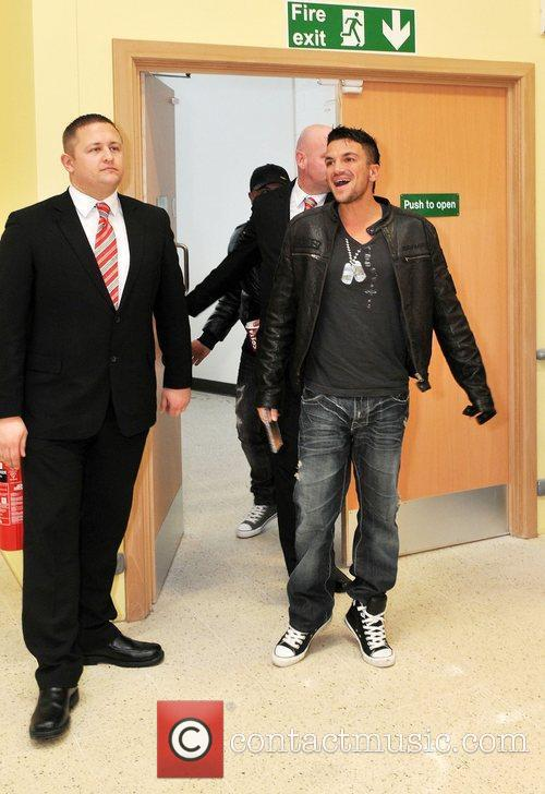 Peter Andre makes his entrance at Tesco Chesterfield...