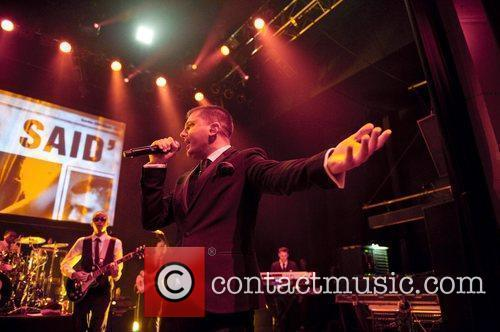 Plan B performing live in concert at O2...