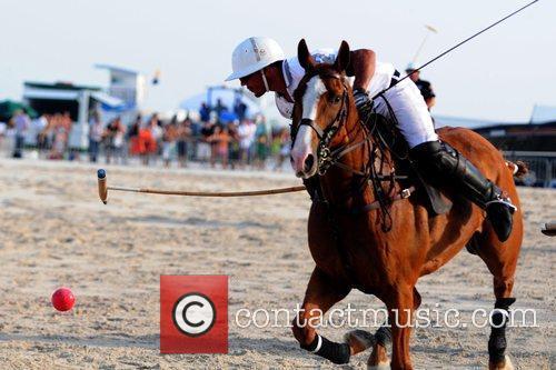 Pelon Escapite The 2010 AMG South Beach Men...