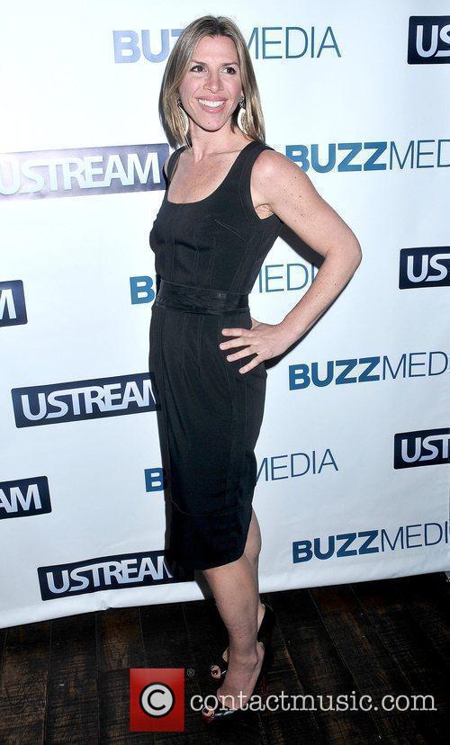 Jennifer Gilbert BUZZMEDIA and Ustream Present: Pop Everything!...