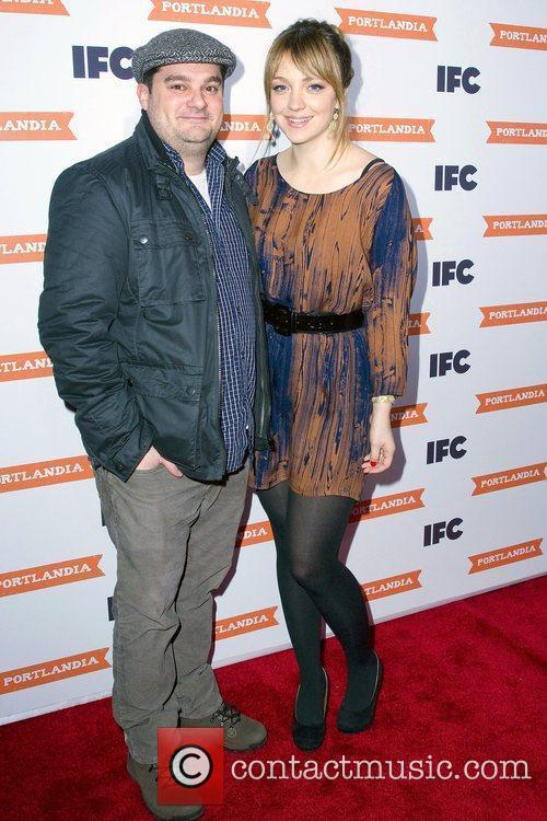 Abby Elliott and Bobby Moynihan 4