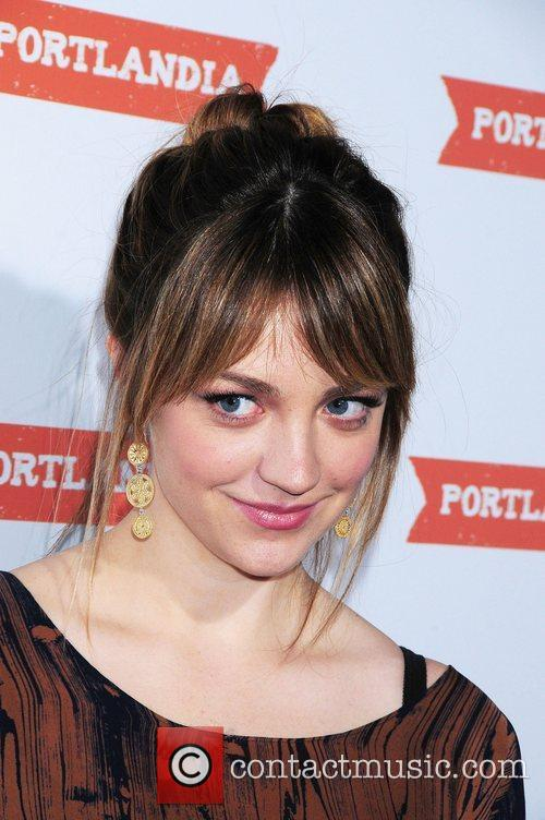 Abby Elliott 8