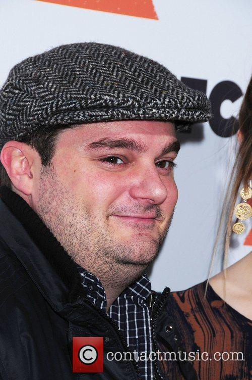 Abby Elliott and Bobby Moynihan 9