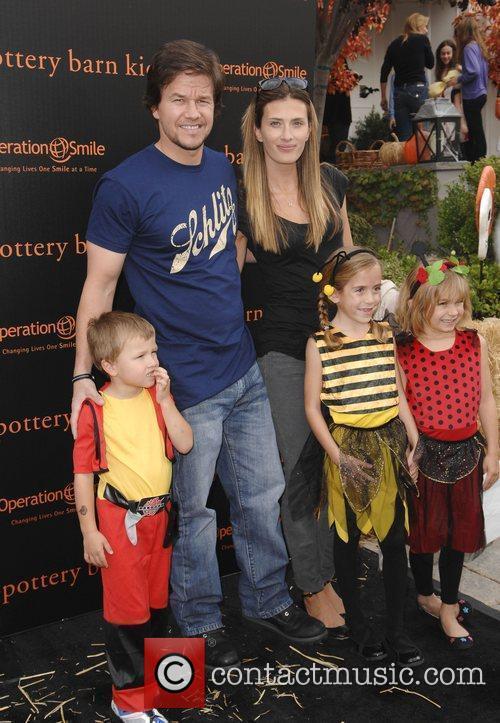 Mark Wahlberg, Rhea Durham and their children...