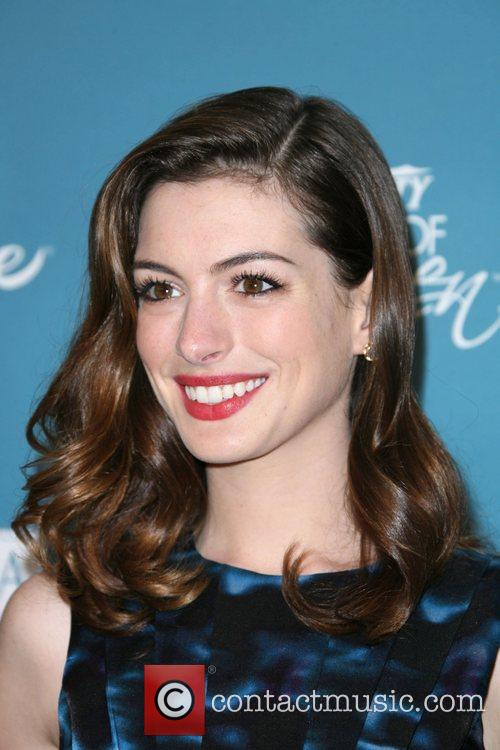 Anne Hathaway and Women 6