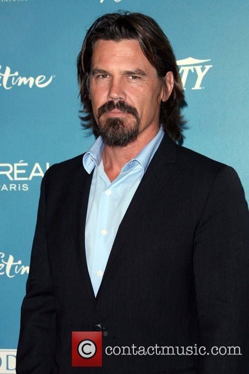 Josh Brolin and Women 2