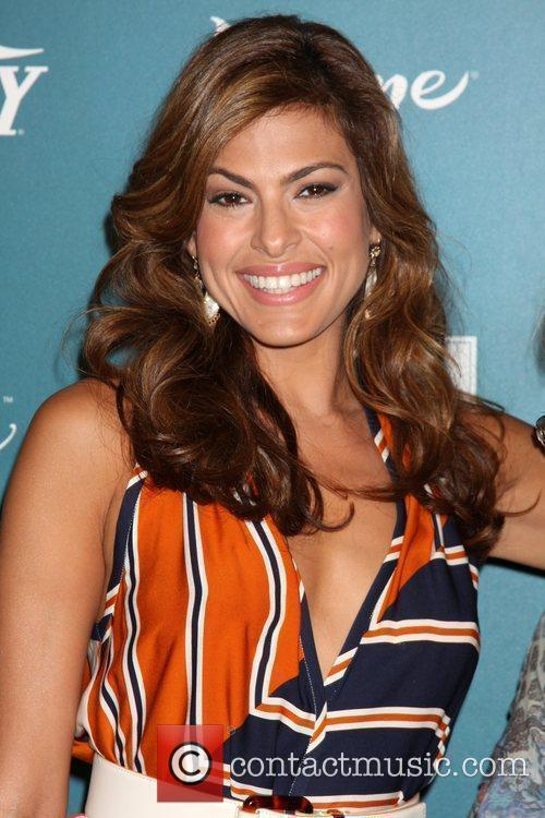 Eva Mendes and Women 9