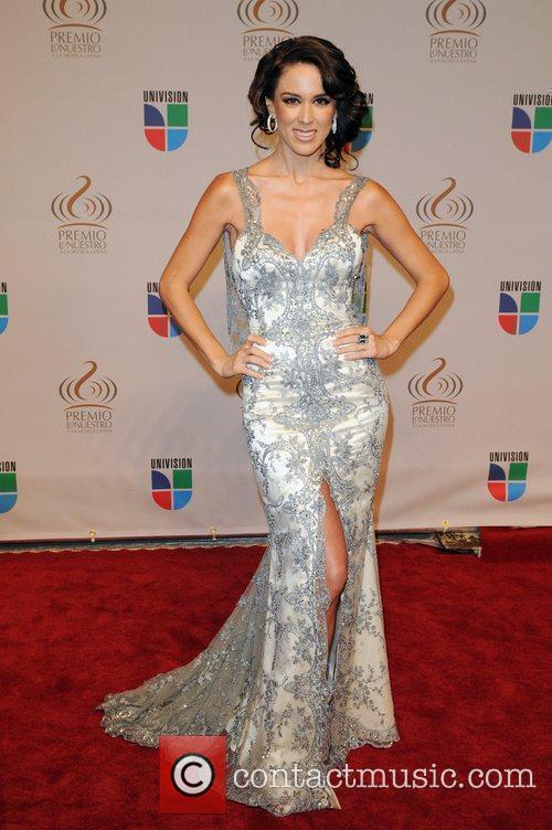 Jacqueline Bracamontes Univisions 2010 Premio Lo Nuestro a...