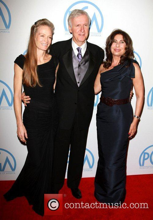 Suzy Amis, James Cameron and Paula Wagner 6