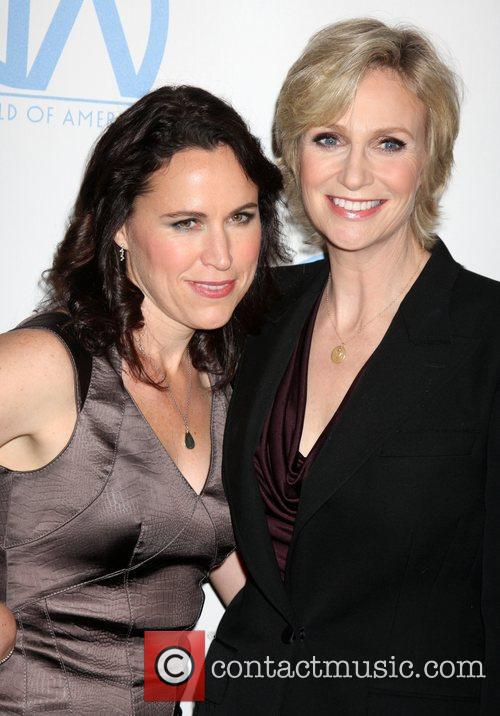 Jane Lynch, Beverly Hilton Hotel