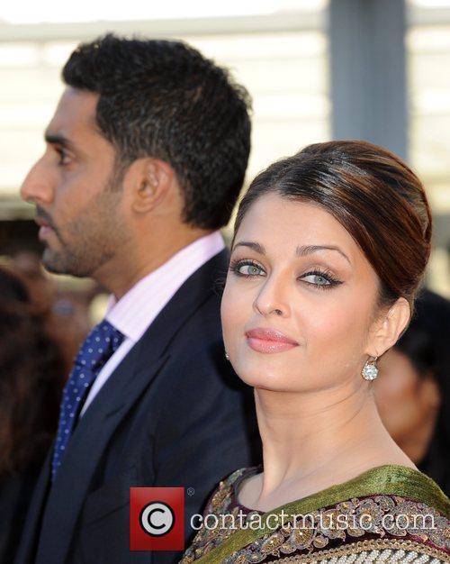 Aishwarya Rai Bachchan, Abhishek Bachchan Raavan - UK...