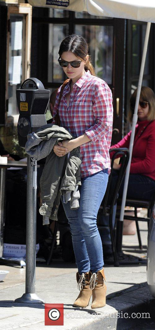 Rachel Bilson arrives to have lunch in Hollywood...