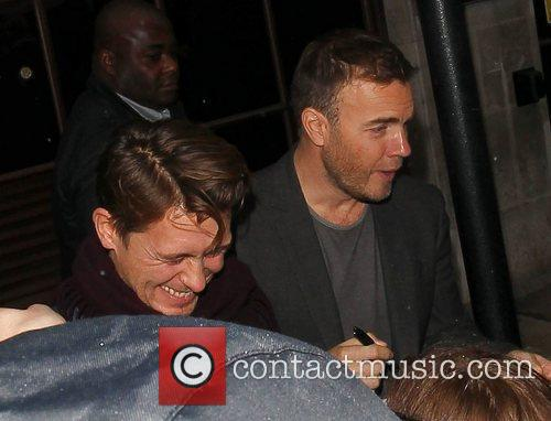 Mark Owen and Gary Barlow Take That leave...