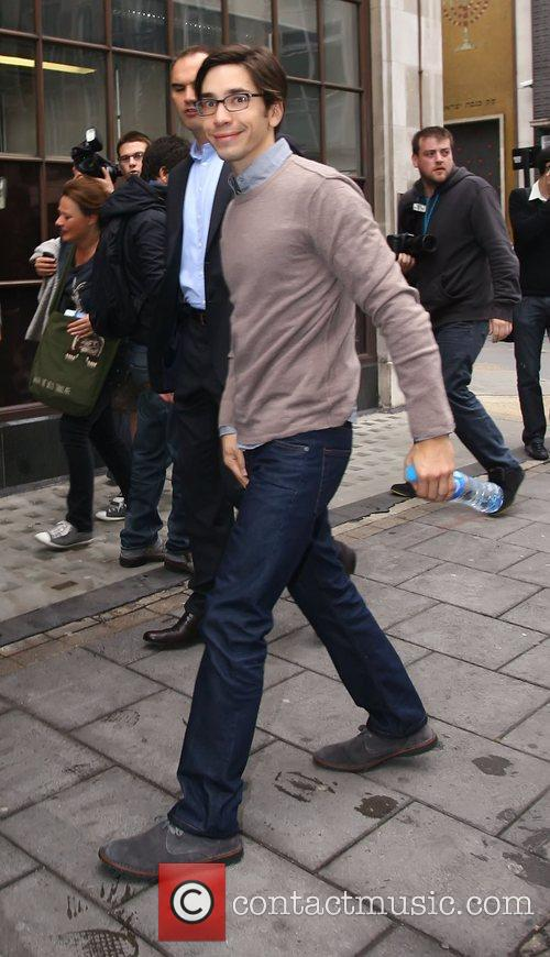 Justin Long outside the BBC Radio One studios...