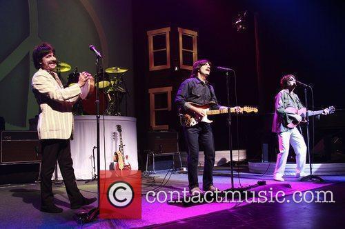 Ringo Starr, George Harrison, John Lennon and Neil Simon 4