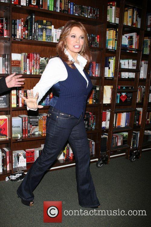 Raquel Welch 9
