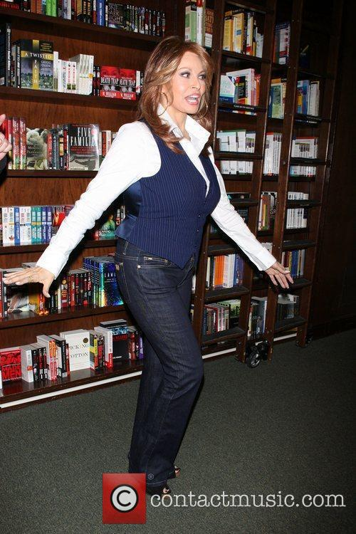 Raquel Welch 6