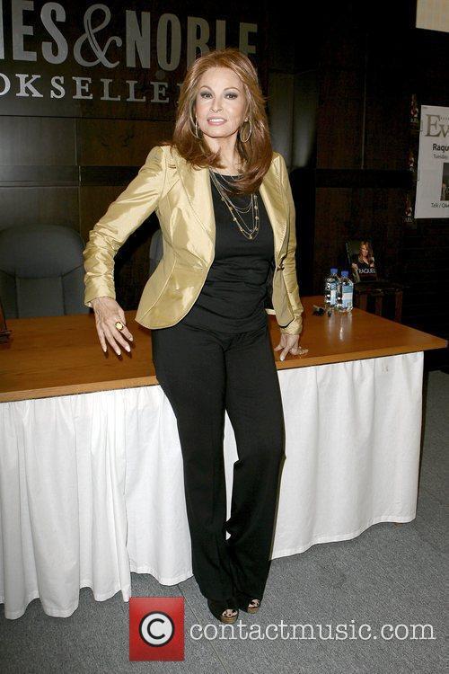 Raquel Welch 4
