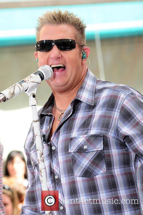 Gary LeVox  Rascal Flatts perform on NBC's...