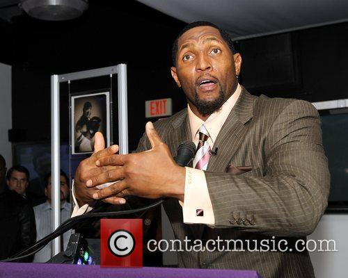 Baltimore Ravens star linebacker Ray Lewis opens Fort...