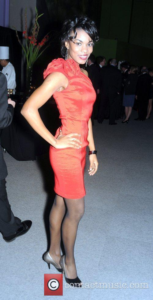 Kharisma McIlwaine attends the 'Red Cross' annual red-tie...
