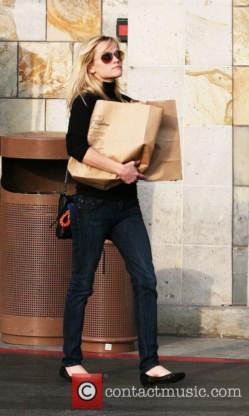 Reese Witherspoon shopping for groceries in Santa Monica...