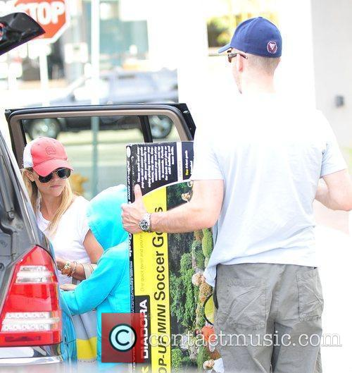 Reese Witherspoon and boyfriend Jim Toth out shopping...
