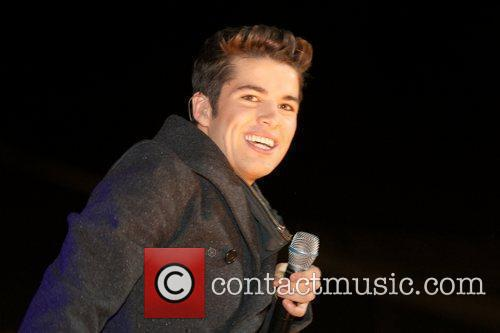 Joe McElderry and Lights 17