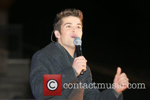 Joe McElderry and Lights 13