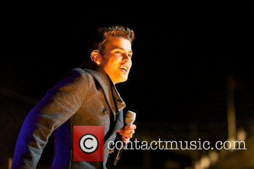 Joe McElderry and Lights 18