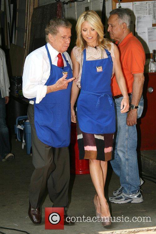 Kelly Ripa and Regis Philbin 9