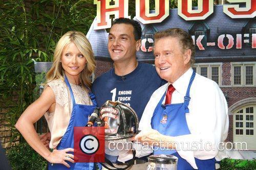 Kelly Ripa and Regis Philbin 11