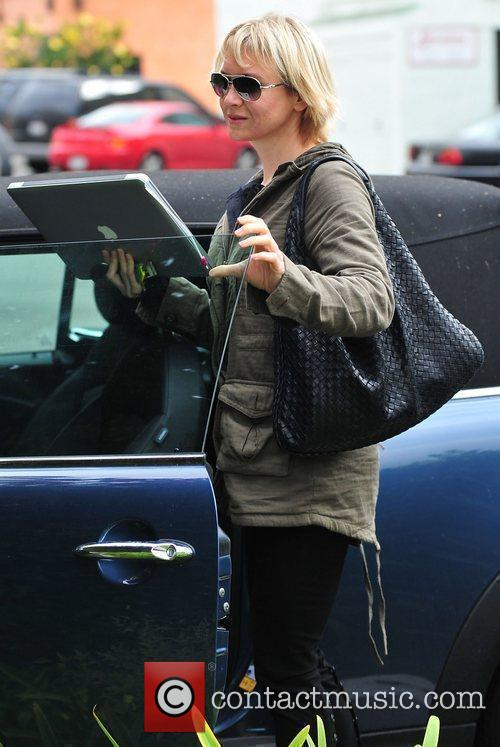 Renee Zellweger out and about at Starbucks in...
