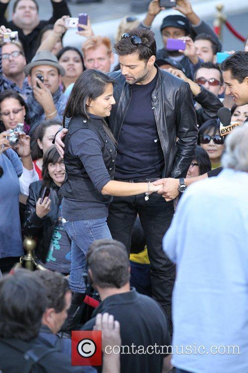 Courtney Laine Mazza and Ricky Martin films an...