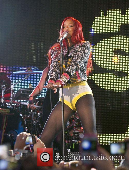 Rihanna and MTV 56