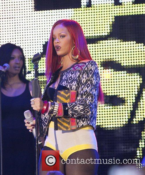 Rihanna and MTV 15