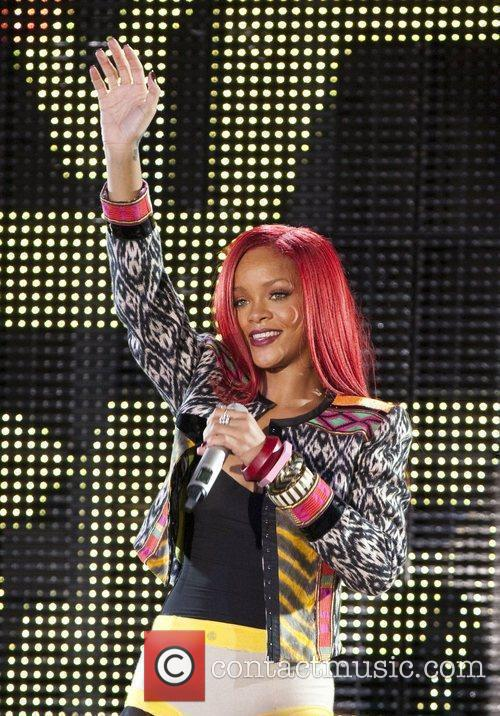 Rihanna and Mtv 10