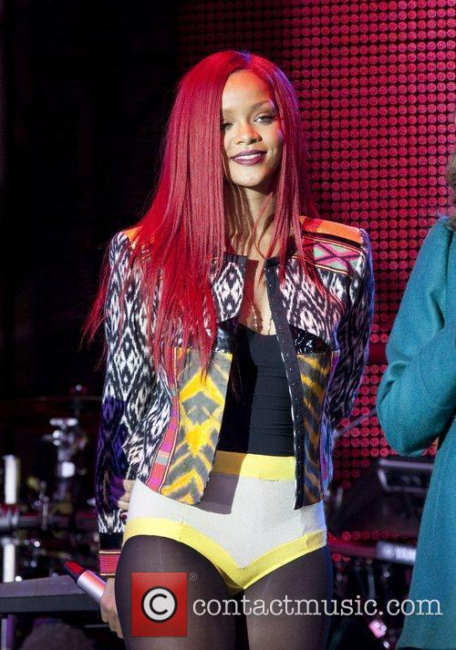 Rihanna and MTV 54