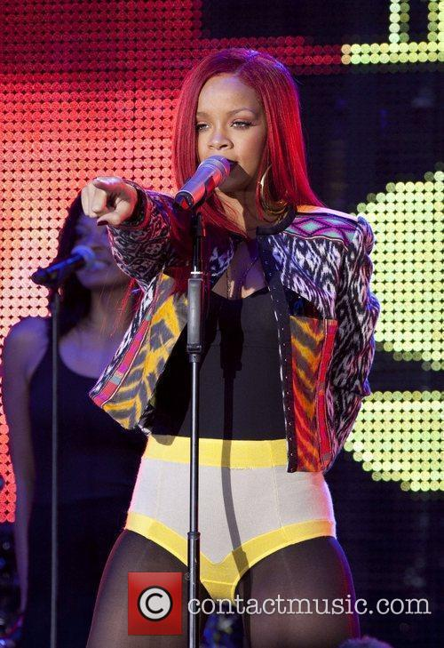 Rihanna and MTV 34