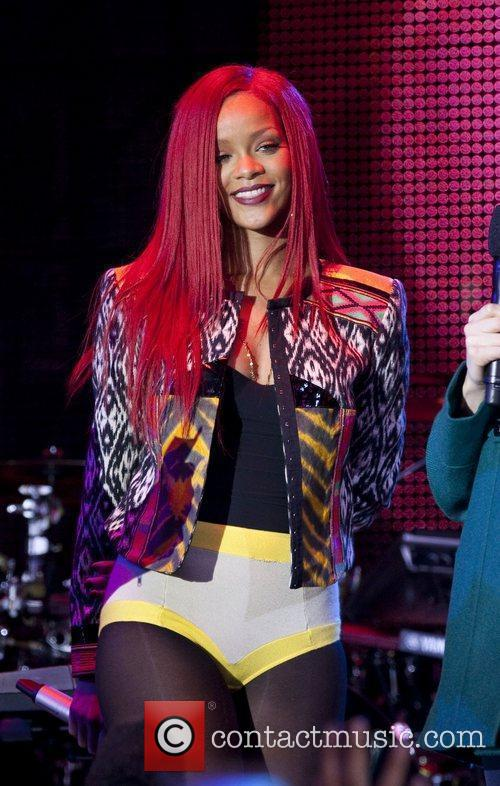 Rihanna and MTV 53