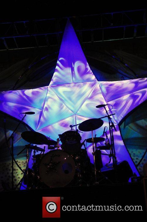 Ringo Starr and Rick Derringer perform at Hard...