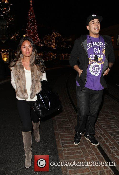 Rob Kardashian does a spot of Christmas shopping...