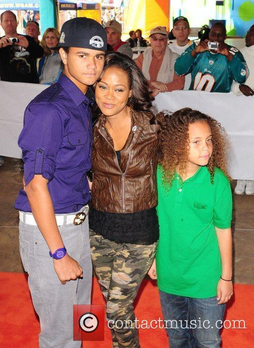Robin Givens, with her sons Buddy and Billy...